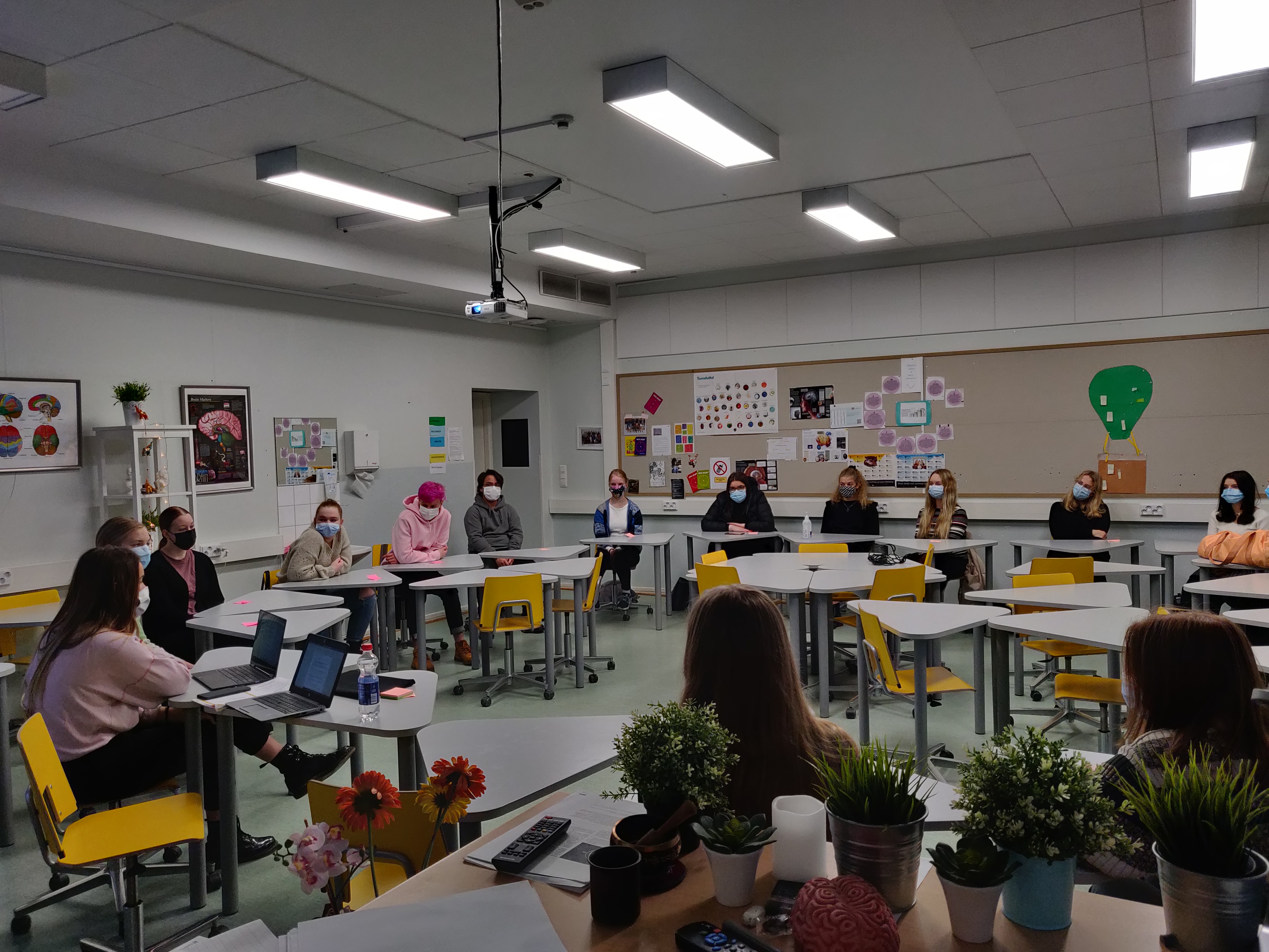 Timeout dialogues with high school students – learnings and perspectives